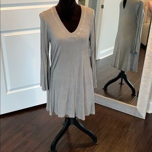 Dres with bell sleeves